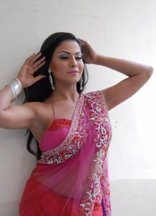 Veena malik saree hot photos