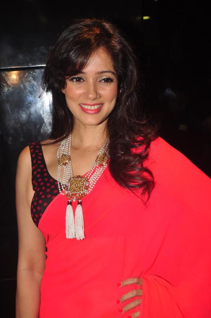 Vidya malvade red saree photos