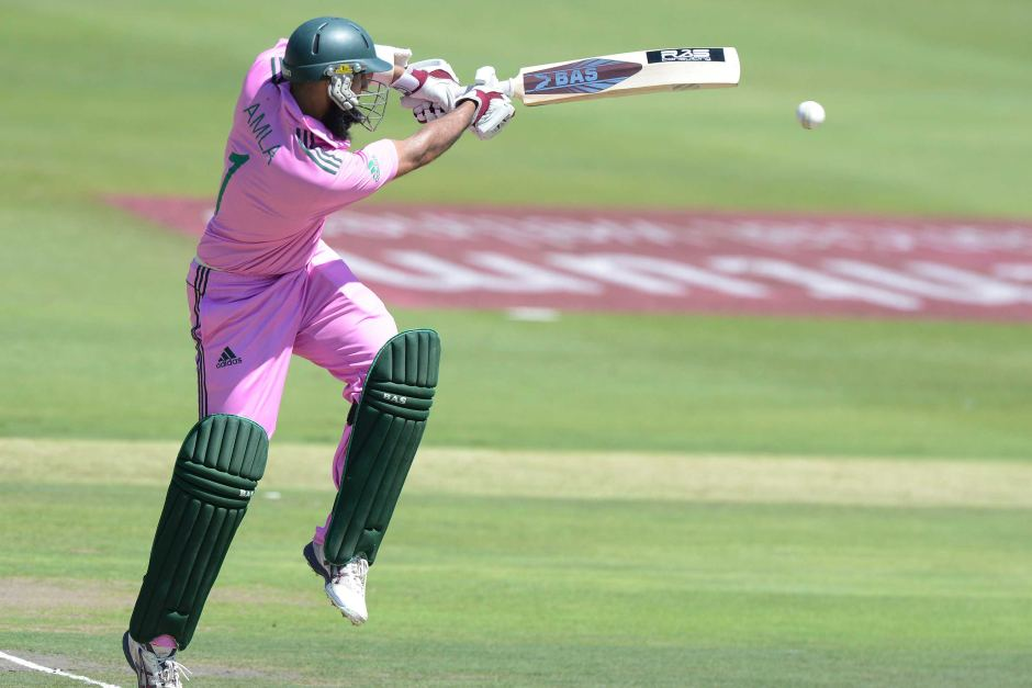 Cricketer amla pink dress pictures