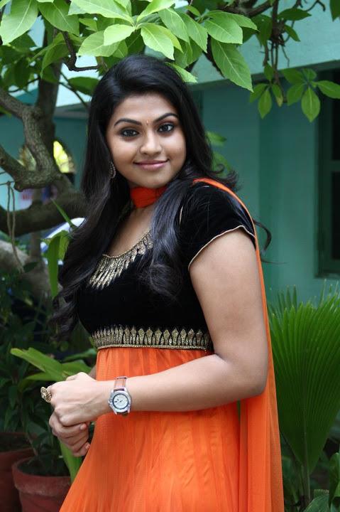 Nandhana hd beautiful pictures