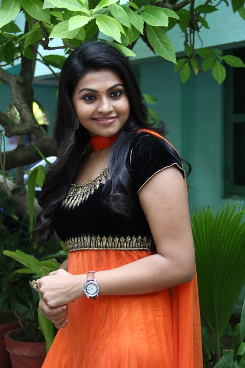 Nandhana hd figure pictures
