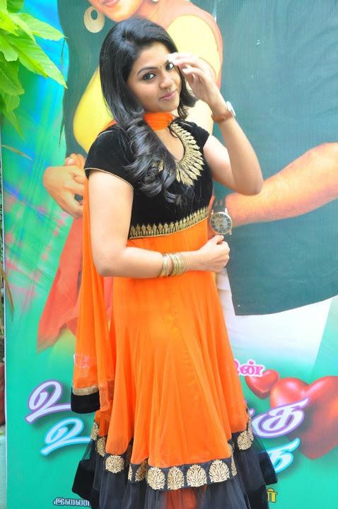 Nandhana hd smile pose pictures