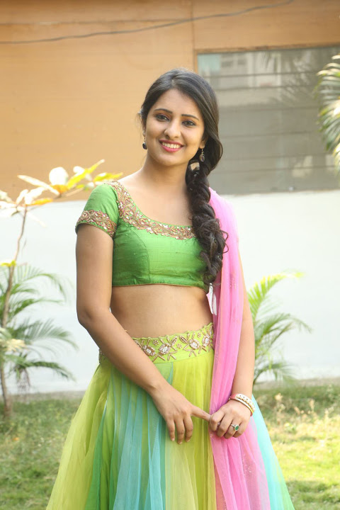Nikita bisht cool wallpaper