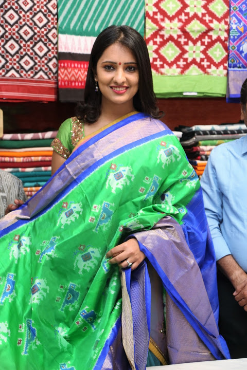 Nikitha bisht exclusive cool saree photos