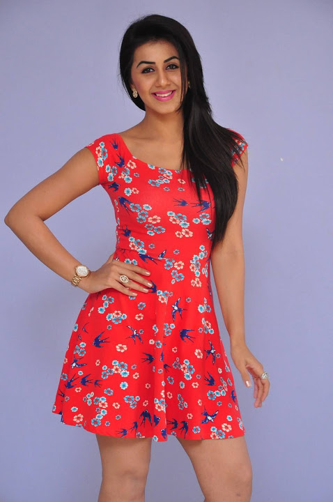 Nikki galrani midi dress modeling wallpaper