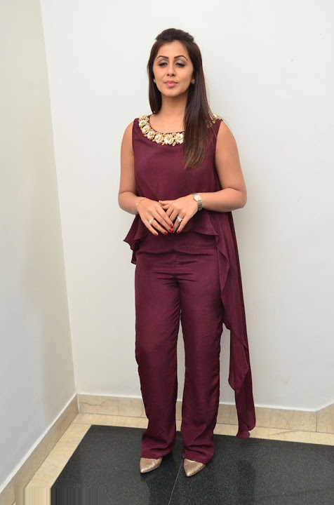 Nikki galrani purple color dress computer pictures