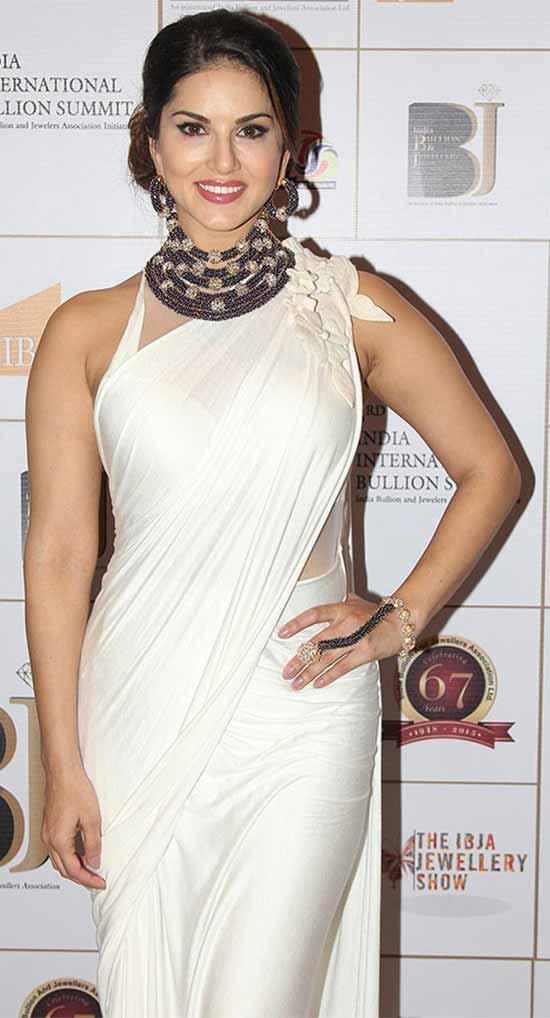 Sunny leone white saree pictures