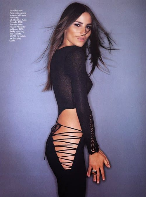 Actress cleo pires black dress photos