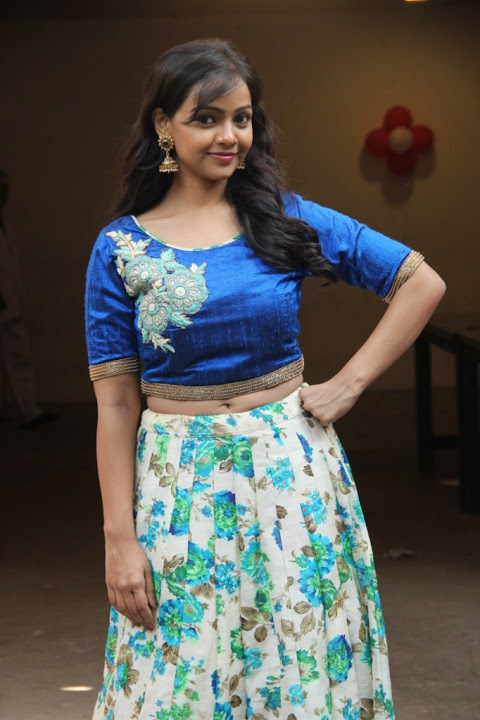Nithya shetty blue dress modeling photos