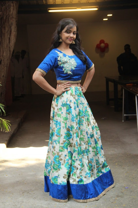 Nithya shetty blue dress movie promotion gallery