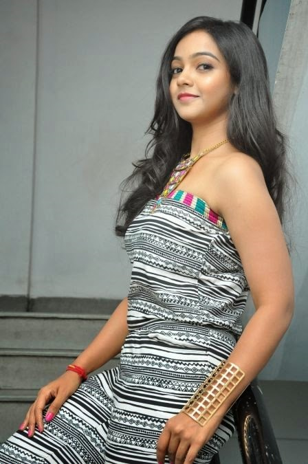 Nithya shetty exclusive smile pose gallery