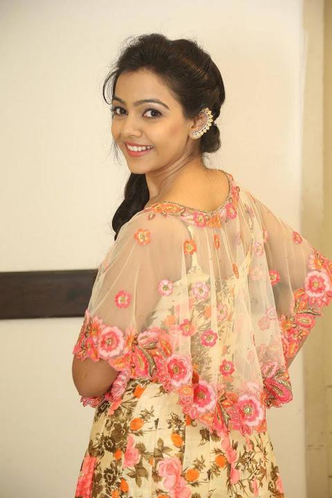 Nithya shetty fashion stills