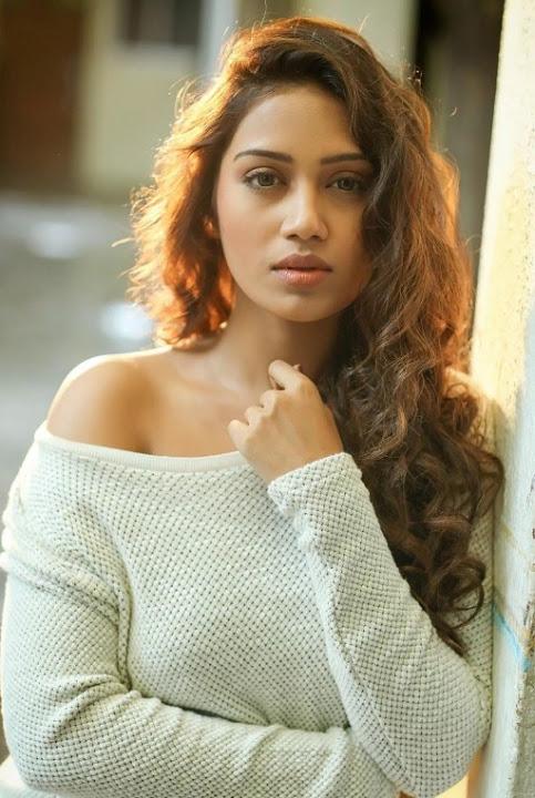 Nivetha pethuraj modeling half saree pictures