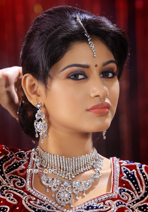 Oviya helen beautiful hd pictures