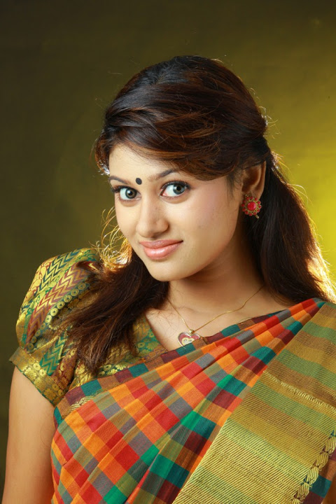 Oviya helen figure green saree photos
