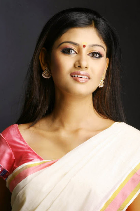 Oviya helen hot half white saree pictures