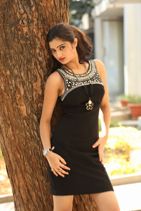 Pallavi naidu figure hd wallpaper