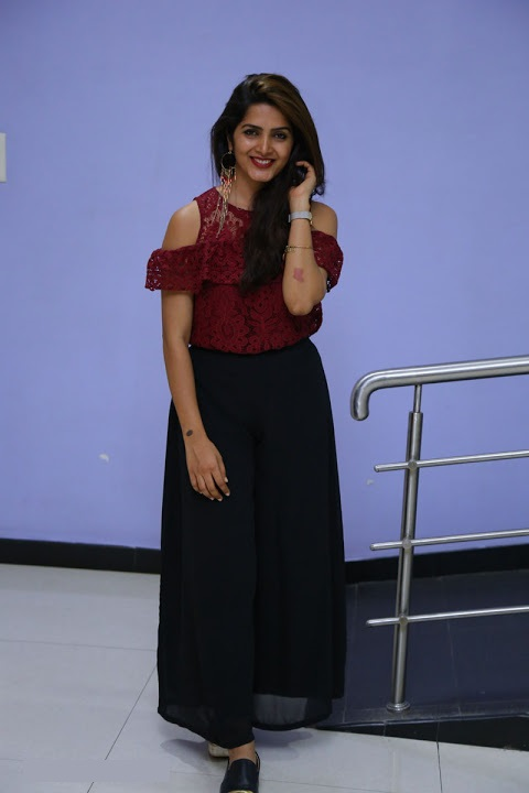 Pavani gangireddy smile pose gallery