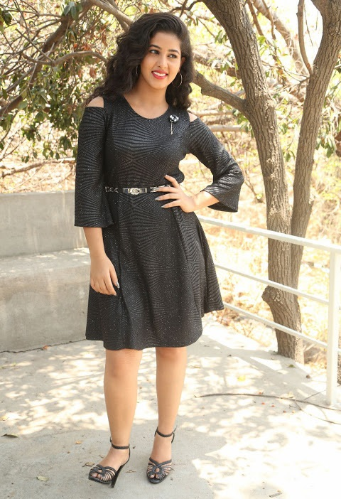 Pavani reddy glamour black dress hd image