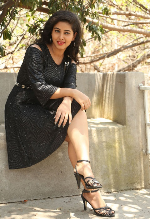 Pavani reddy interview black dress hd stills