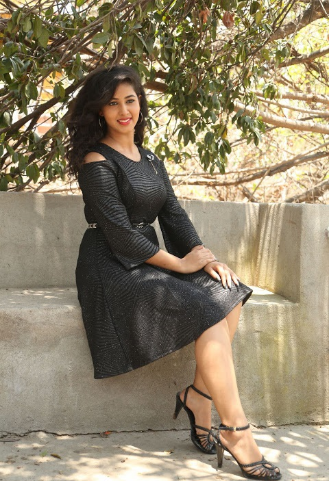 Pavani reddy movie promotion black dress hd fotos