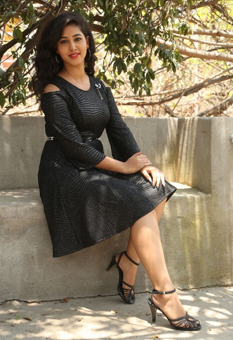 Pavani reddy photoshoot black dress hd gallery