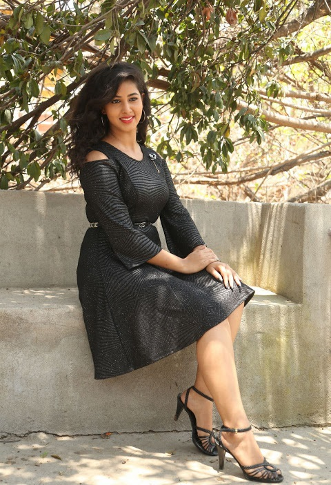 Pavani reddy wide black dress hd image