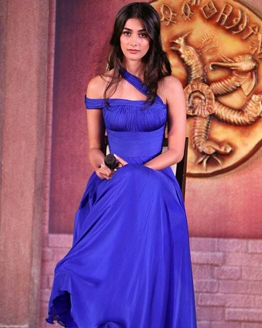 Pooja hegde blue dress fashion wallpaper