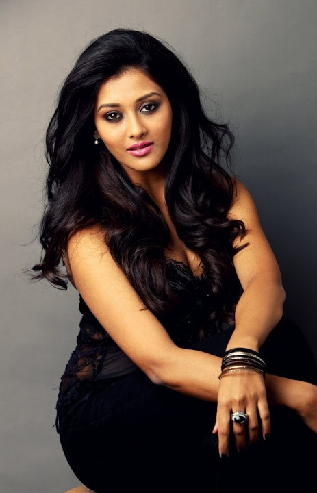 Pooja jhaveri black dress cute pictures