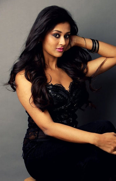 Pooja jhaveri black dress exclusive wallpaper