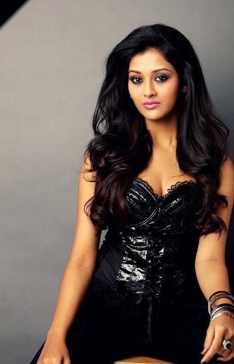 Pooja jhaveri black dress modeling pics