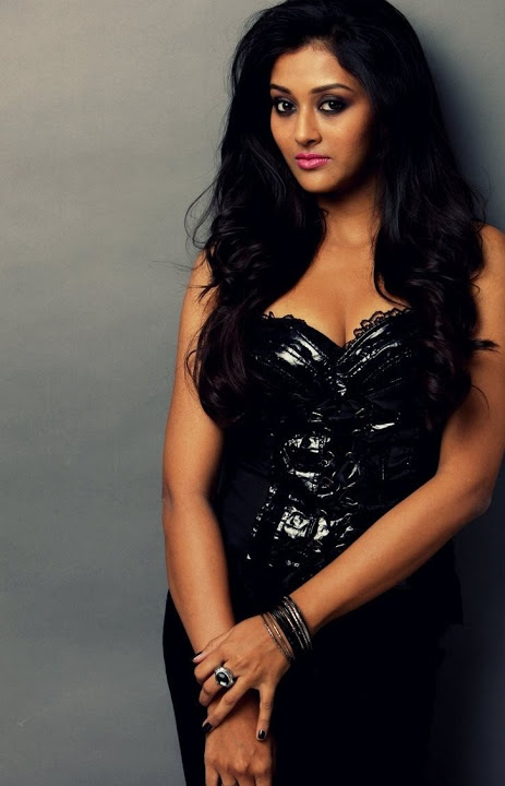 Pooja jhaveri black dress photoshoot fotos