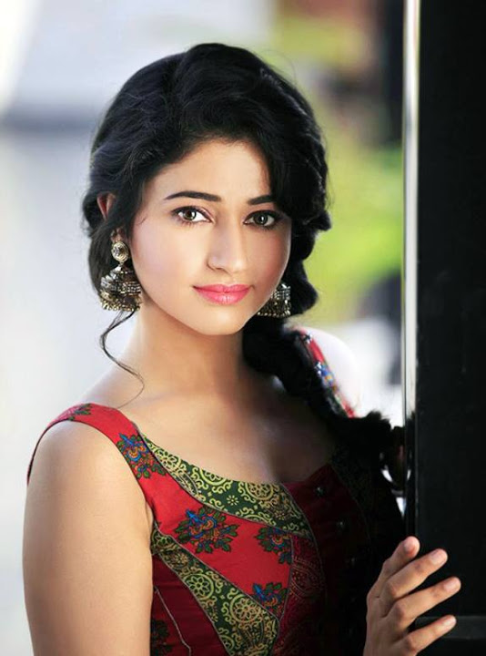 Poonam bajwa red dress fashion wallpaper