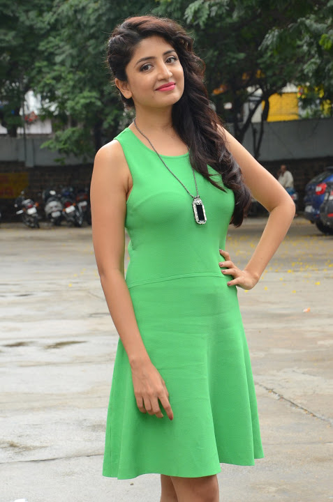 Poonam kaur green dress movie promotion gallery