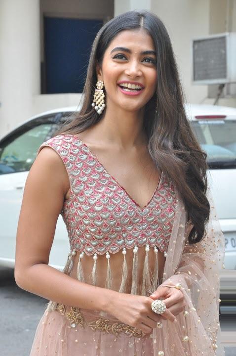 Pooja hegde cool exclusive photos