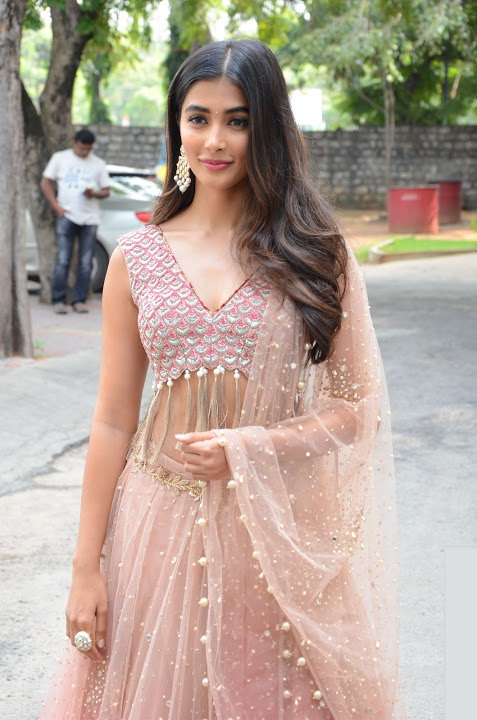 Pooja hegde cool interview image