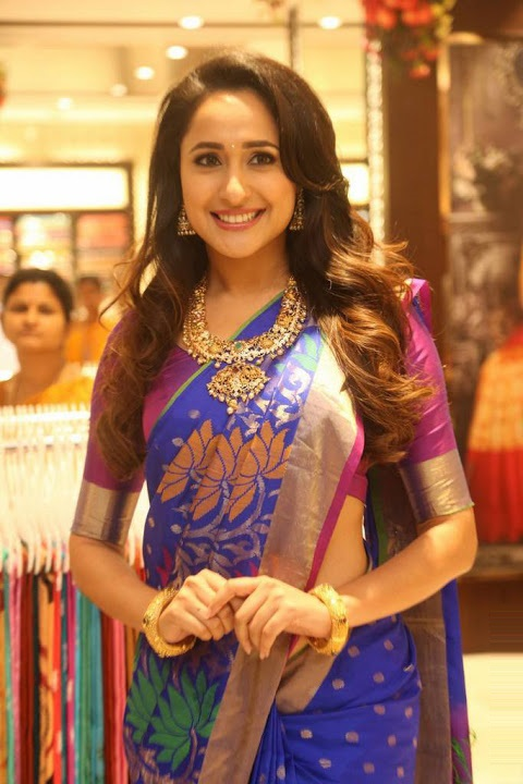 Pragya jaiswal blue saree fashion image