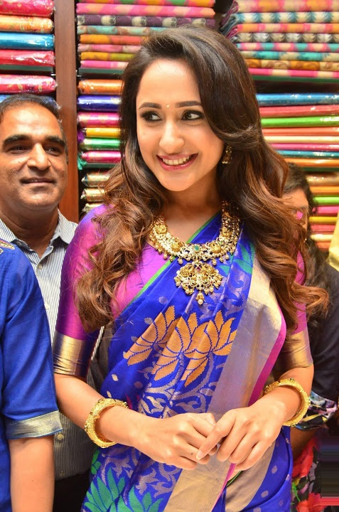 Pragya jaiswal blue saree interview stills