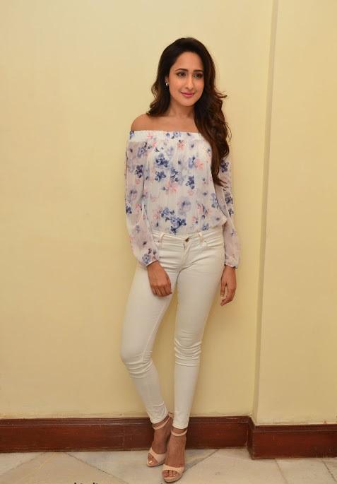 Pragya jaiswal unseen glamour pics