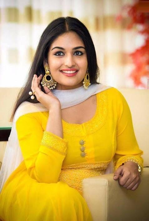 Prayaga martin yellow dress hd wallpaper