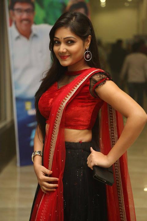 Priyanka glamour hd image