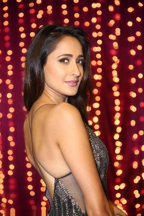 Pragya jaiswal desktop black dress photos