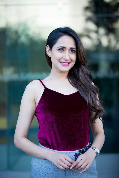 Pragya jaiswal desktop hd photos