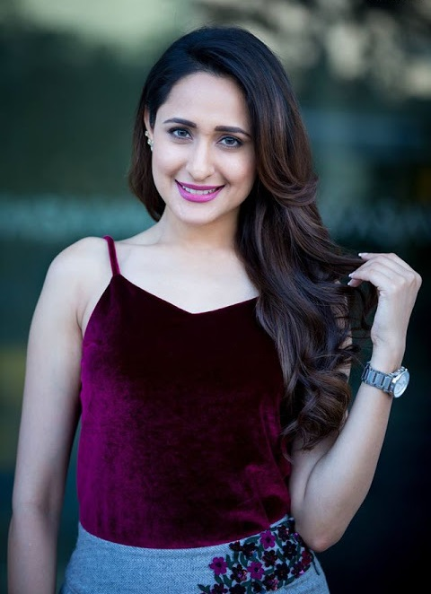 Pragya jaiswal exclusive hd wallpaper