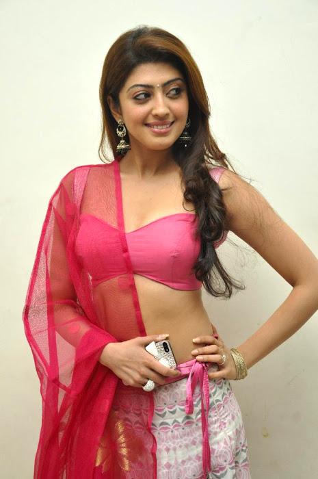 Pranitha glamour desktop wallpaper