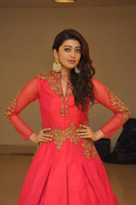 Pranitha subhash fashion show figure pictures