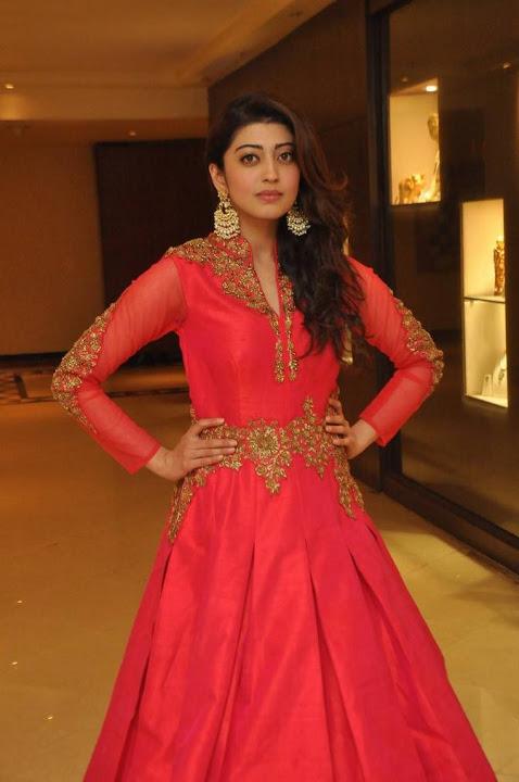 Pranitha subhash fashion show glamour pictures