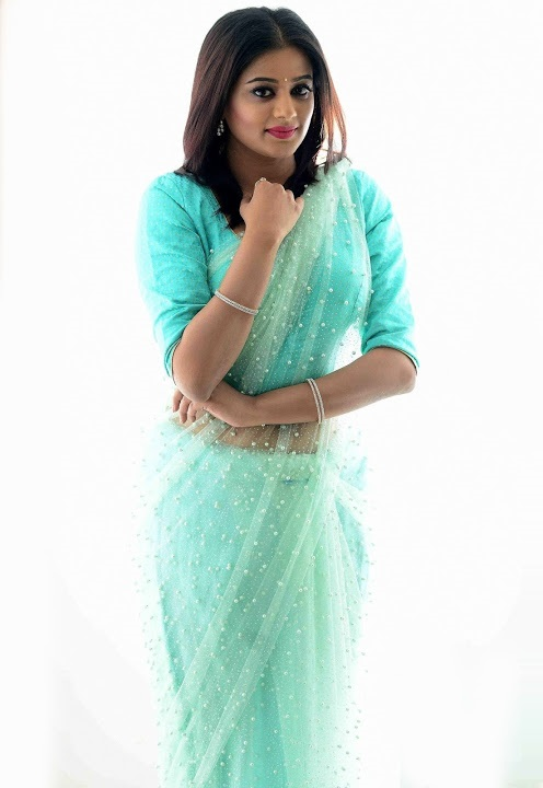 Priya mani light blue saree interview fotos