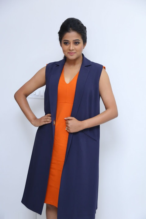 Priyamani cool hd photos