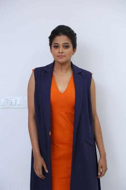 Priyamani desktop hd wallpaper